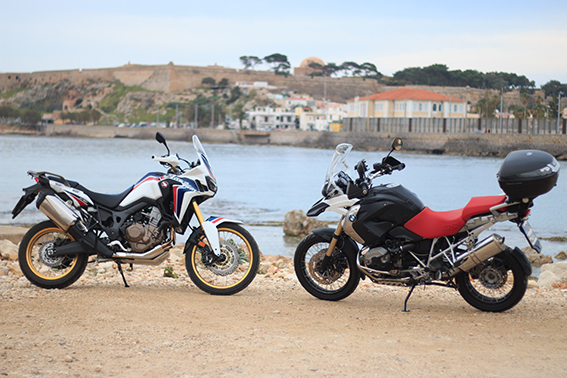 CRF 1000 AFRICA TWIN vs BMW GS 1200